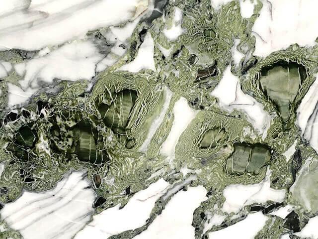 Натуральный мрамор для облицовки фасада и цоколя