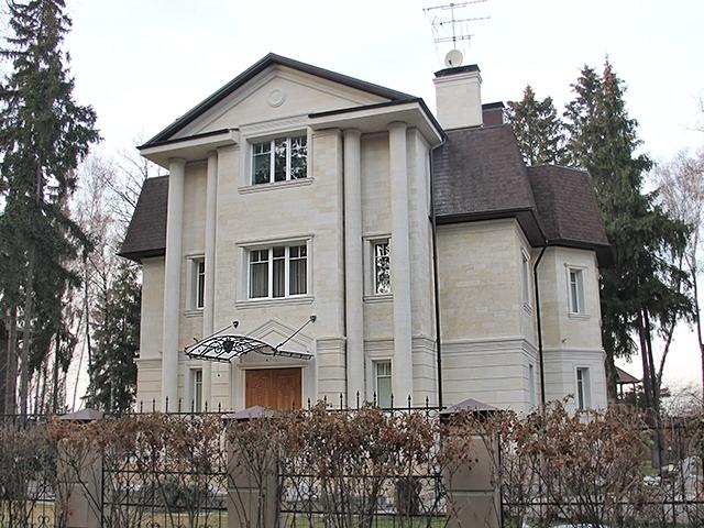 Фасад отделанный бесчаником