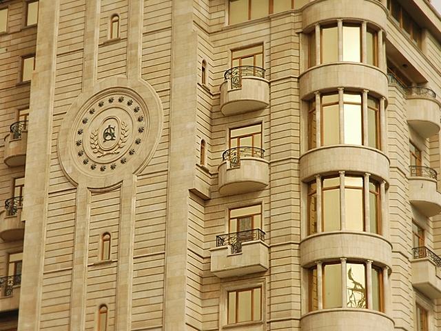 Фасад отделанный ракушечником