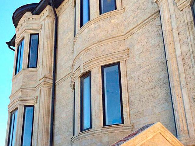фотография фасада из ракушечника Р-ДК