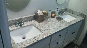 Гранит Colonial White в ванной