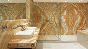 Оникс Onice Alabastro в ванной